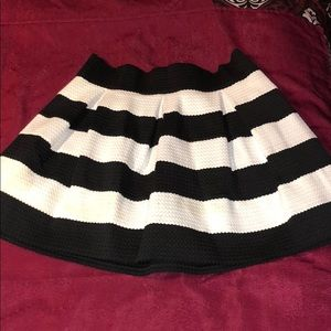 Blk/wht striped mini skirt